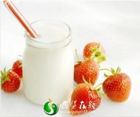 喝酸奶到底能不能除口臭呢