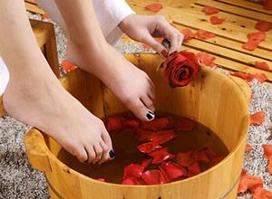 足疗:6种人群中药泡脚需慎重