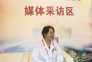 云南中医微信记者采访义诊专家姜云武