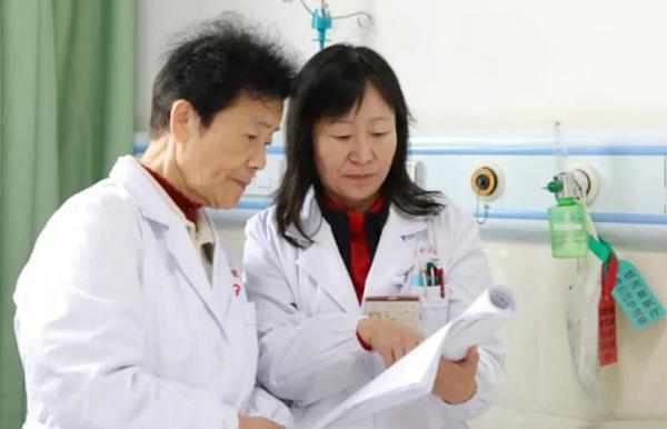 全国名中医孟如教授赴中越边境援边施医